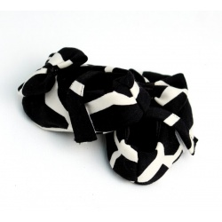 black_giraffe_baby_shoe_with_bow3