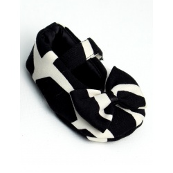 black_giraffe_baby_shoe_with_bow5