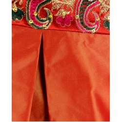 orange_skirt_close_pleat
